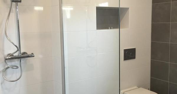 Nieuwe Badkamer Deventer : Badkamers